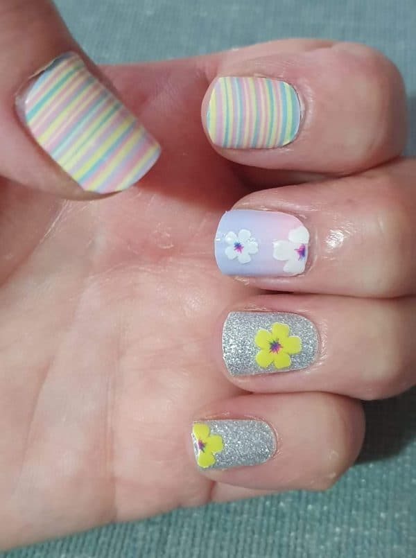 Bindy's Nails Colour Me Some Sparkles with Flowers