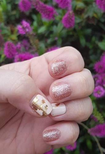 Bindy's Mixed Mani with Golden Rose Gold Sparkle Three Step Gelpar
