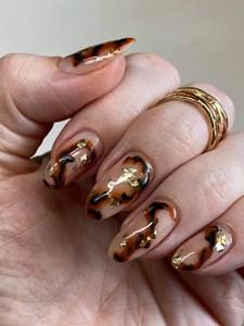 Bindy's Nails Nail Art with Dark Amber