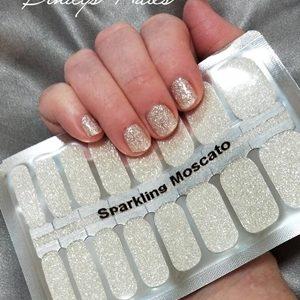Bindy's Sparkling Moscato Nail Polish Wrap